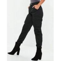 Džinsai-kelnės  su  kišenėmis 3D600