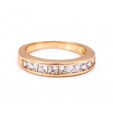 Elegantiškas žiedas su smulkiomis akutėmis