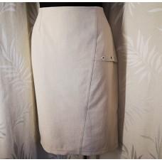 Klasikinis sijonas vasarai