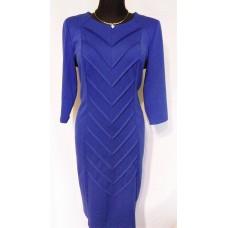 Suknelė puošta siūlėmis